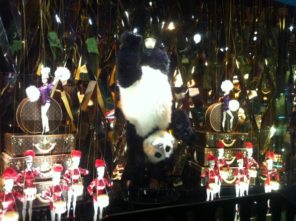 5galeries lafayette_holiday windows 2012