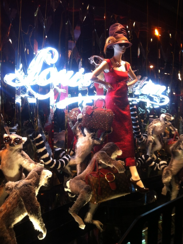 6galeries lafayette_holiday windows 2012
