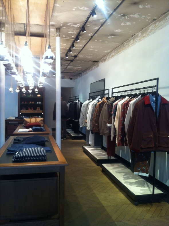ami_menswear_paris_marais3
