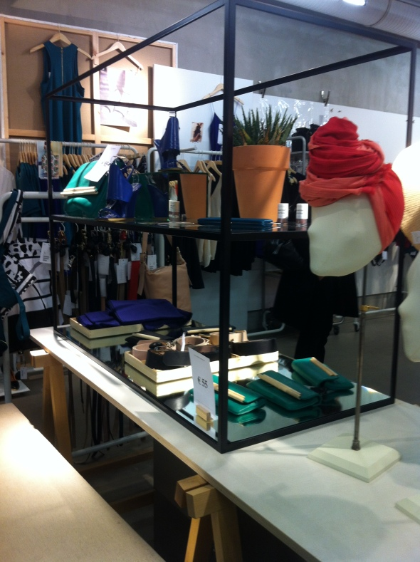 &OtherStories_Paris_merchandising2