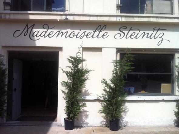1_Mademoiselle Steinitz_Vintage Village_Les Puces St Ouen_Paris